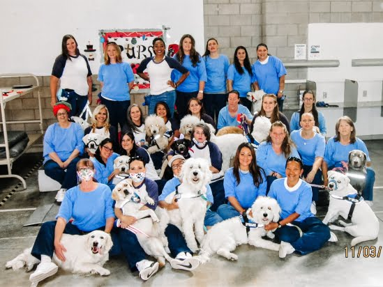 little-angels-service-dogs-get-involved-prison-program-womens-facility-photoshoot